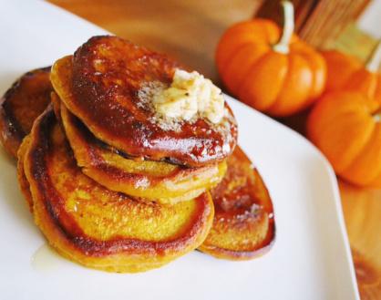 Pumpkin-Ricotta Pancakes with Homemade HoneyButter